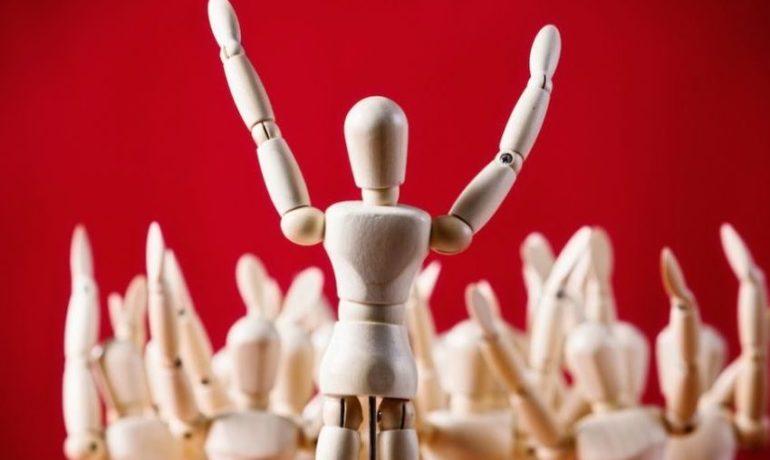 Algocrazia, populismo e società frammentata.